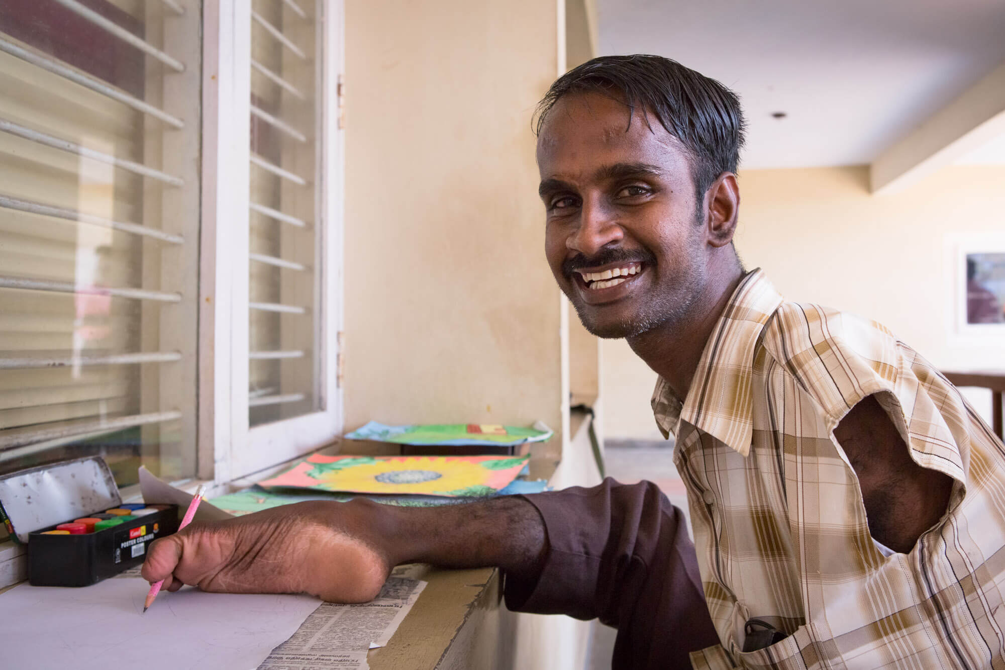 Hope foundation, Nagapattinam, Tamil Nadu, India, toe painter