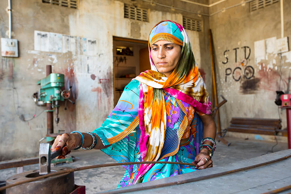 woman, gender, solar cooker, clean cookstove, climate change, Barefoot College, India